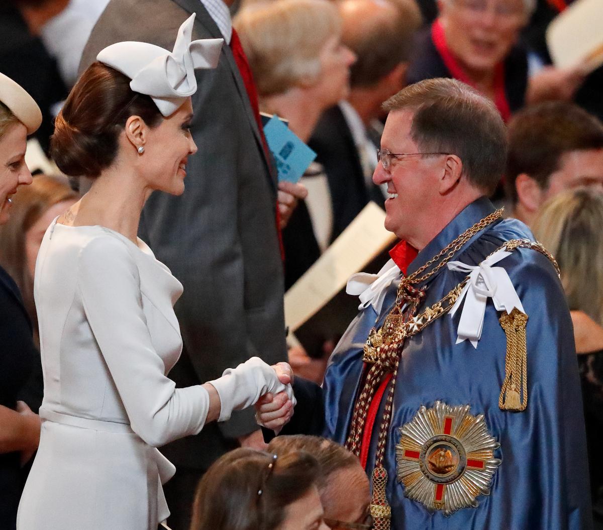 2018年6月、ロンドンで行われた英王室主催のイベントに出席。2017年から英名門大の客員教授を務めていることもあり、英国に拠点を移すという噂もチラホラ。