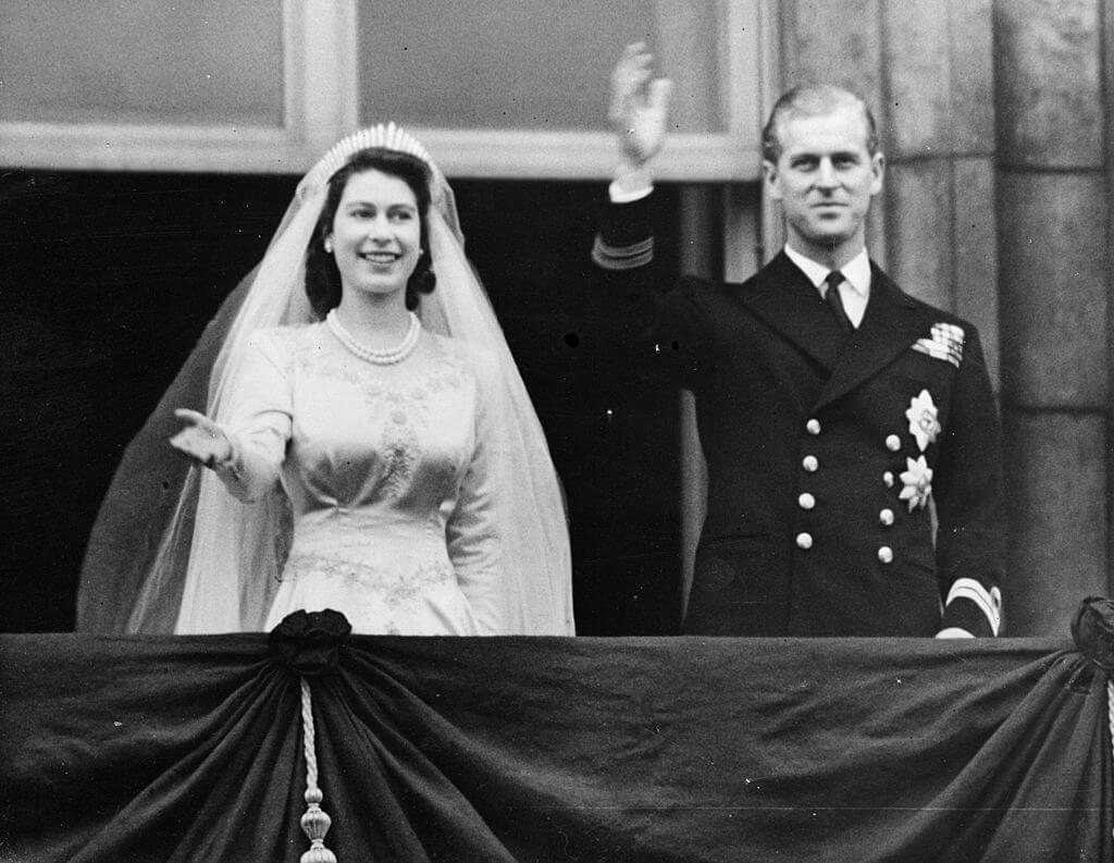 1947年11月20日に執り行われた、エリザベス2世の結婚式。