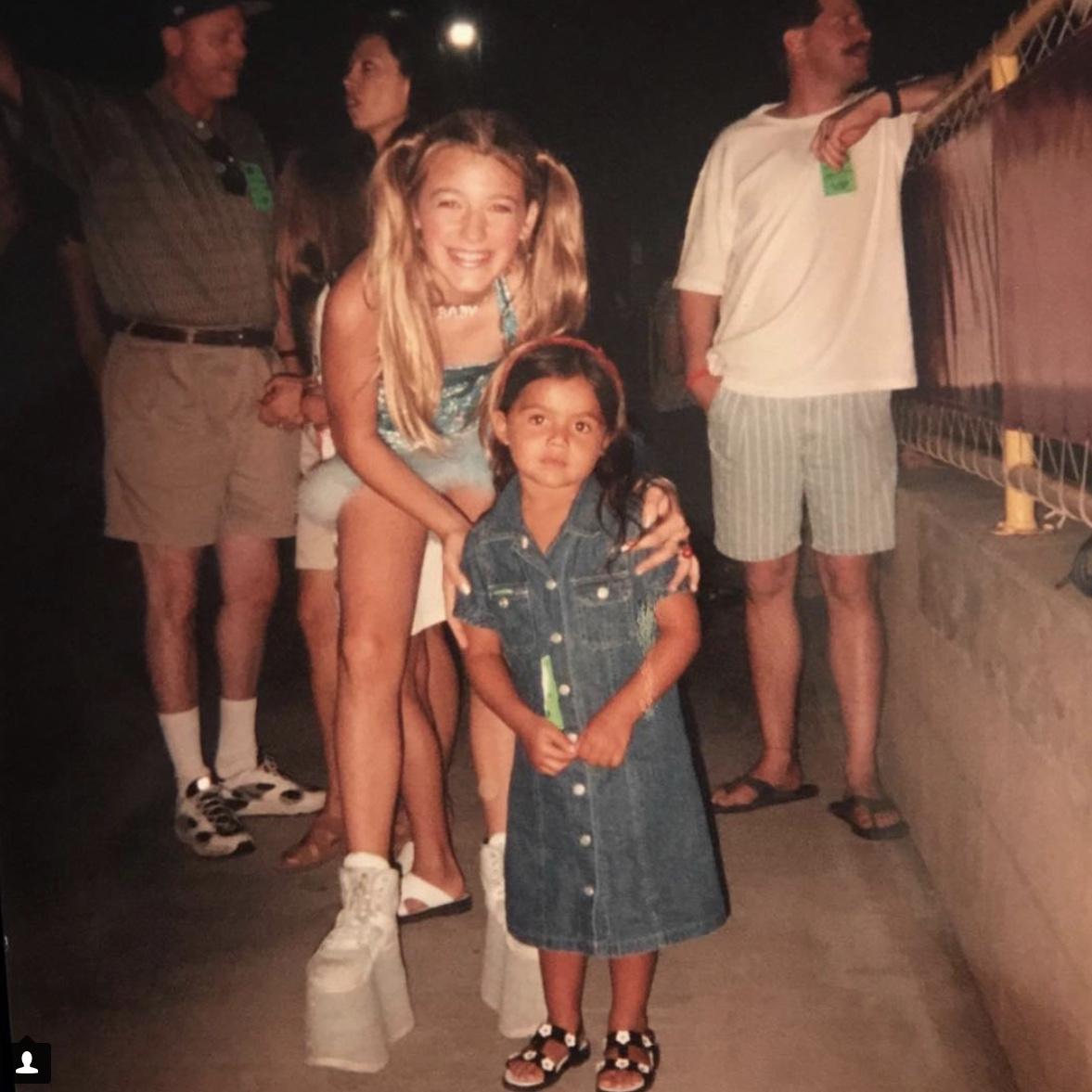一般人の投稿で、10歳の頃の写真が流出したブレイクは、スパイス・ガールズのファンだったことが発覚!
