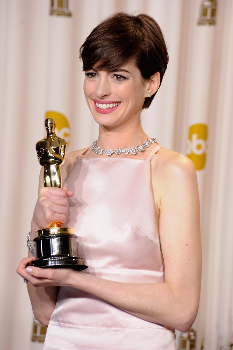 2012年に公開されたミュージカル映画『レ・ミゼラブル』でアカデミー賞助演女優賞に輝いたアン・ハサウェイ。