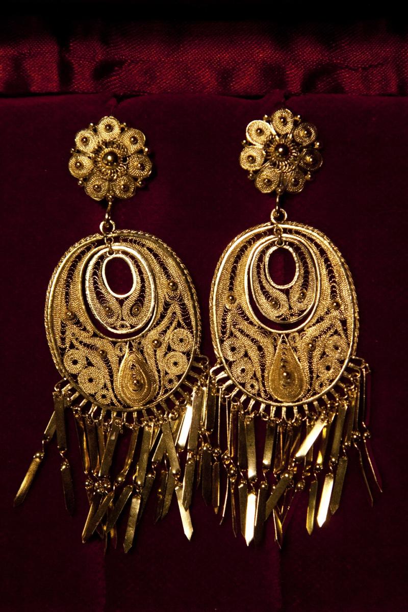 18世紀前半にカルリ家の先祖によって作られた金のイヤリング