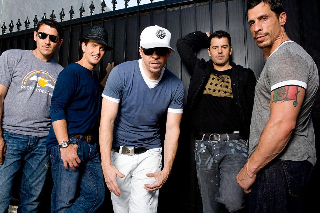人気が高まるにつれ「彼らはアルバムの20%も歌っていない」など様々なバッシングを受けるように。また、メンバーのケガなどが続き、'94年に解散。しかし14年のブランクを経て、'08年4月に再結成を発表。地道に活動を続け、'14年10月にはハリウッド殿堂入りを果たした。
