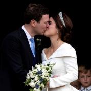 英ユージェニー王女が結婚! ウェディングドレスのデザインに隠されたある思いとは?