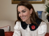 キャサリン妃が自宅からビデオチャット! 家族愛溢れる、美しいリビングの様子が明らかに