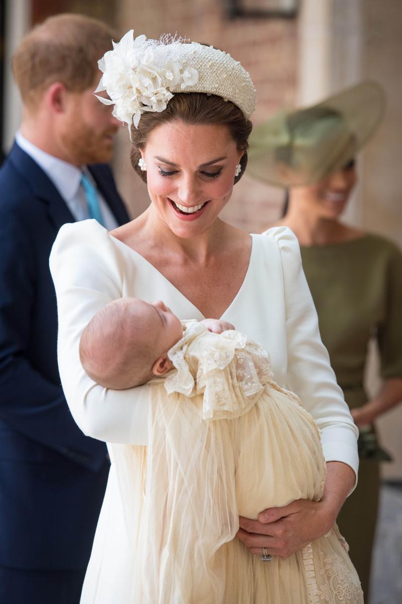 キャサリン妃とルイ王子。