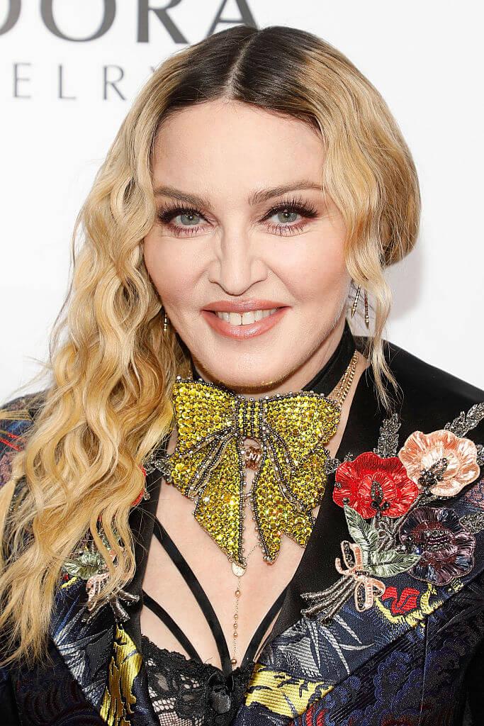 アメリカ合衆国出身で歌手、女優、実業家として活動するマドンナ。