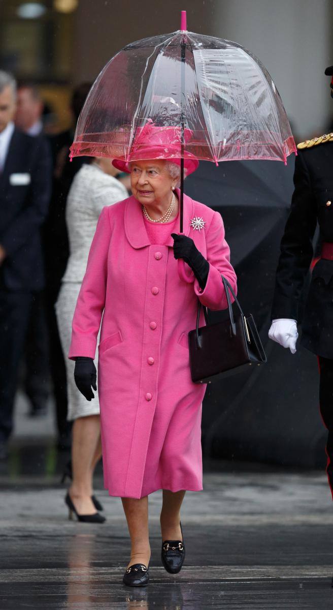 ピンクで攻めたワンカラーコーディネート