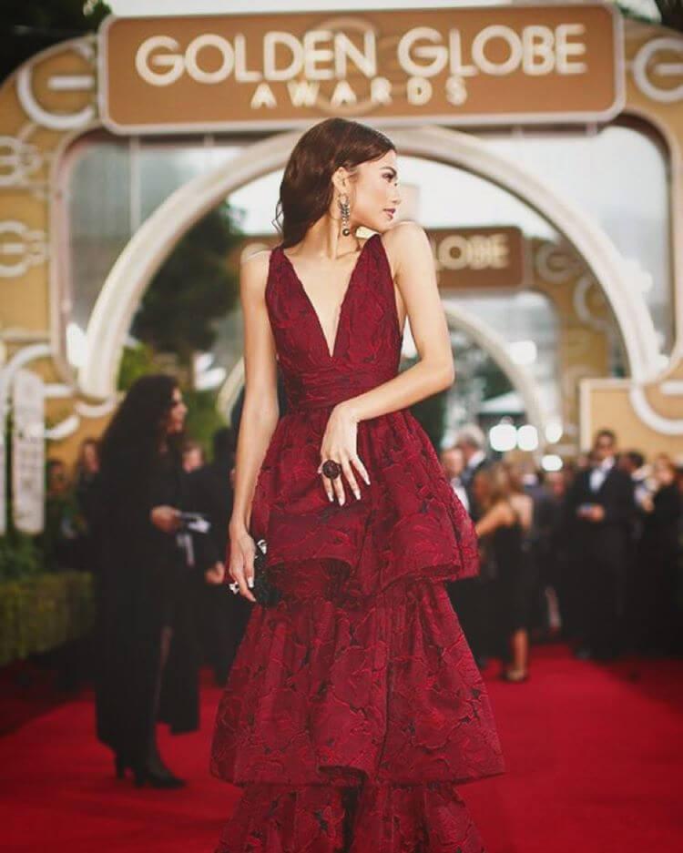 第73回ゴールデングローブ賞の授賞式にはマルケッサの赤いドレスで登場したゼンデイヤ。