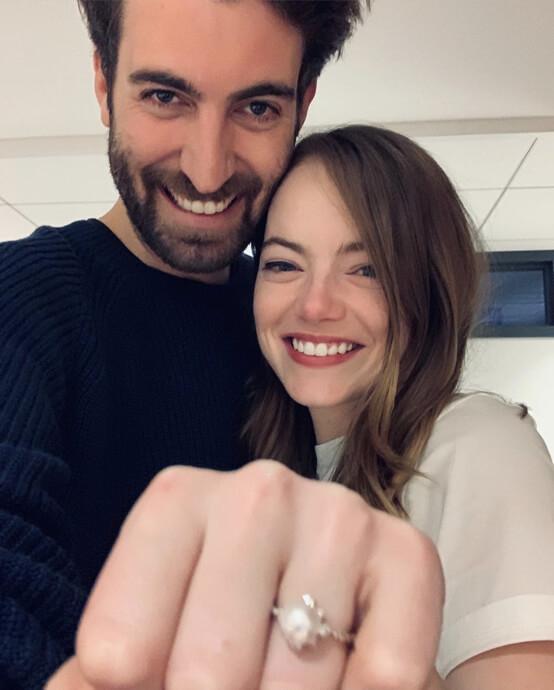 2019年12月に婚約を公表したエマ・ストーン。