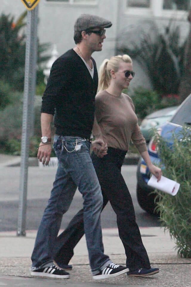 ライアン・レイノルズとは2008年5月に結婚したスカーレット・ヨハンソン。