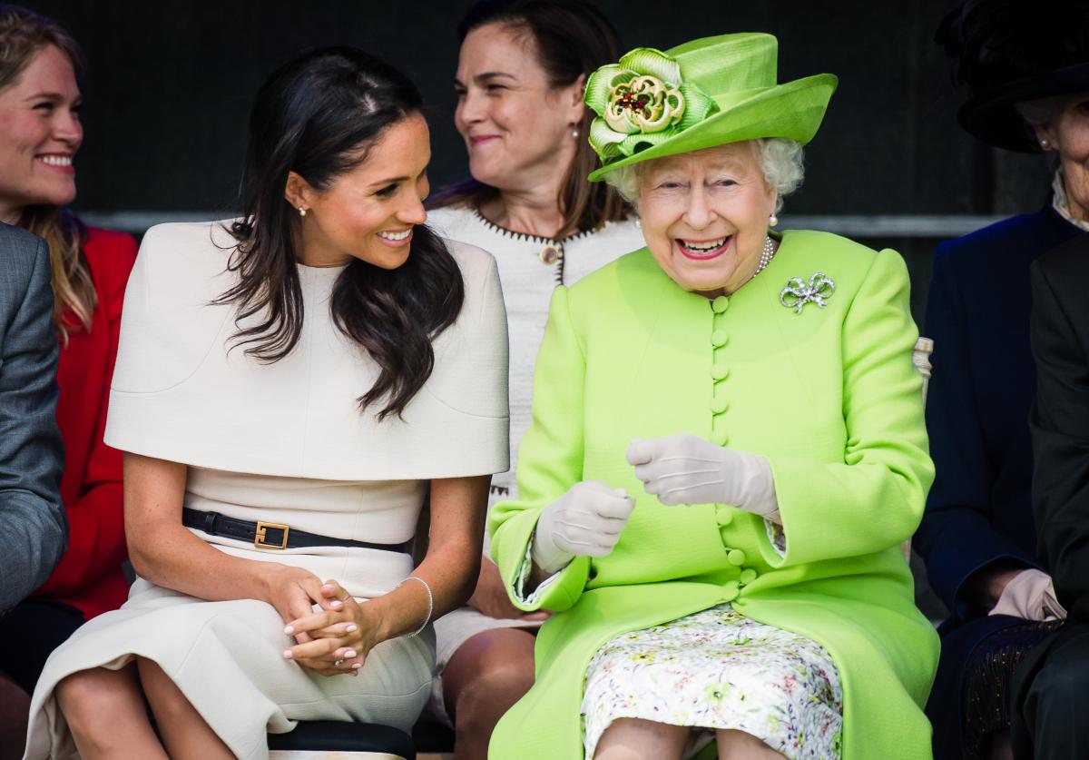 楽しそうにメーガン妃と会話するエリザベス女王。Photo:Getty Images