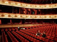 ロイヤル・バレエ団とアーデムがコラボレーション。幻想的な衣装が生まれる舞台裏に密着48時間