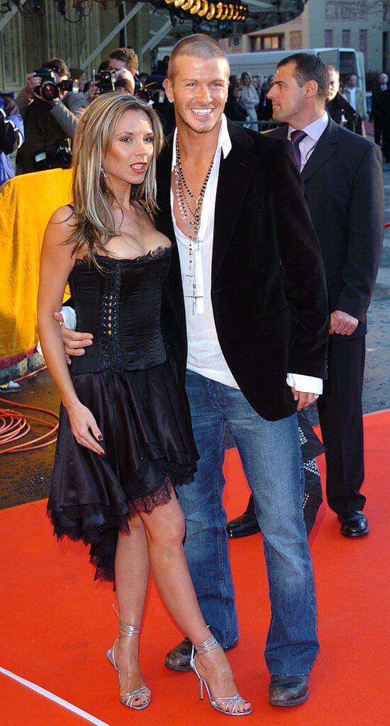 2004年、当時は際どいドレスを愛用していたヴィクトリア・ベッカム。