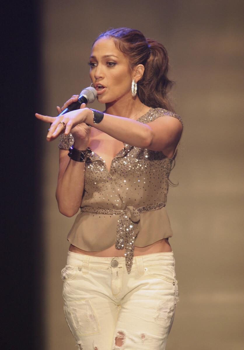 1999年、アルバム『On the 6』で歌手デビューしたジェニファー・ロペス。世界で600万枚を超える大ヒットを記録した。