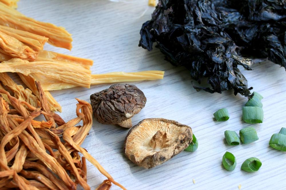 腸活のために、海藻・キノコをたっぷり、油の質も厳選