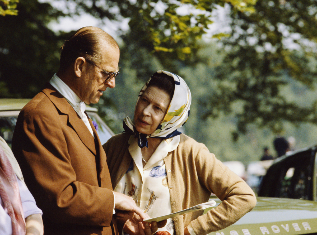 若き日からアクセサリーを好んだエリザベス女王