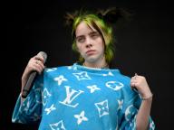 新星ポップスターのビリー・アイリッシュ、オーバーサイズの服を選ぶのは「大きい胸を隠すため」