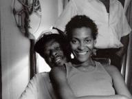 黒人女性のアイデンティティを撮り続ける写真家キャリー・メイ・ウィームス<後編>