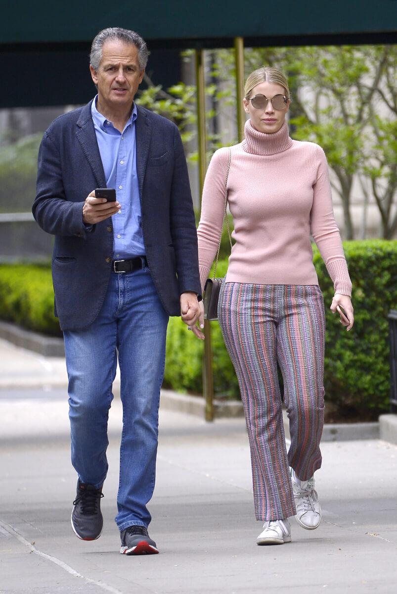 2019年12月に極秘婚約が報じられたマイケル・ルイスとキティ・スペンサー。
