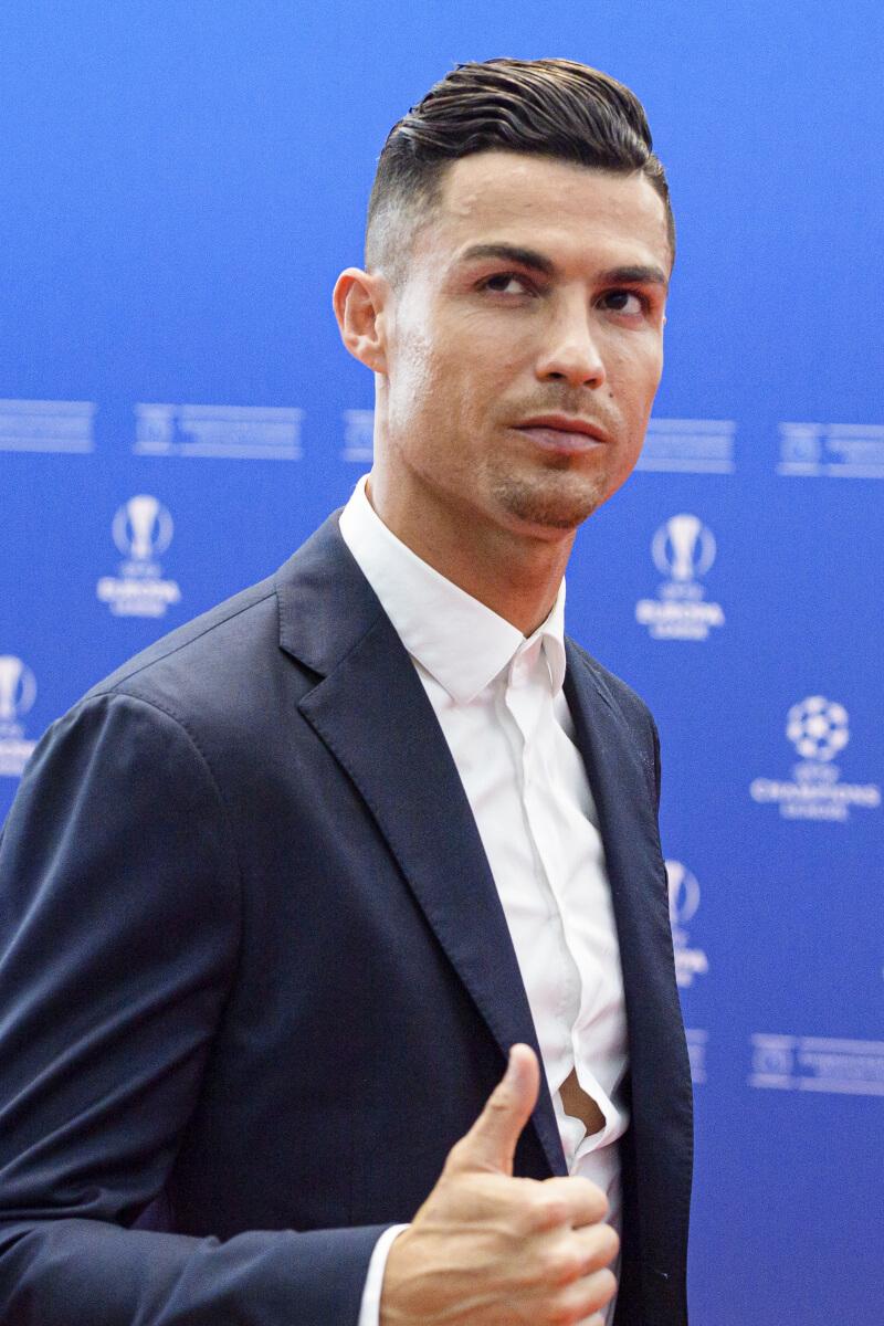 1985年2月5日、ポルトガル・フンシャルの貧しい家に生まれたクリスティアーノ・ロナウド。