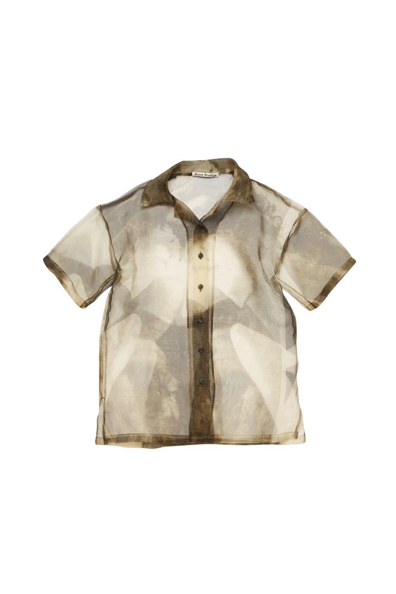 シースルーシャツ¥55,000 ※近日発売予定