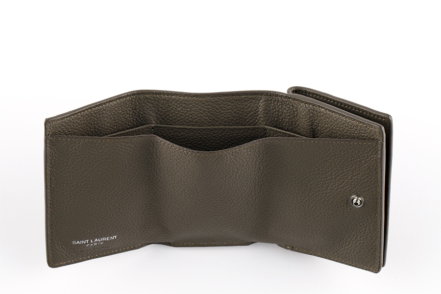 財布〈H7×W9.5×D3cm〉¥50,000/サンローラン クライアントサービス(サンローラン バイ アンソニー・ヴァカレロ)