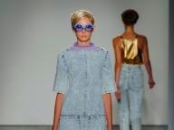 【KAREN WALKER】モダンなケミカルウォッシュのデニムドレス