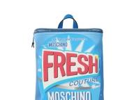 洗剤パッケージそっくりのプレイフルなバックパック