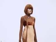 レイヤードでミックス&マッチを楽しむスリップドレス
