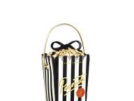 ピーナッツバッグをイメージした楽しく可憐なハンドバッグ