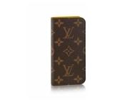 薄型デザインが魅力のiPhone7専用カバー【LOUIS VUITTON】