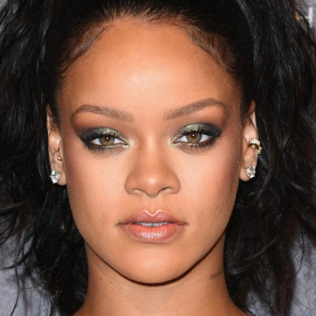 Rihanna / リアーナに関するトピックス | SPUR