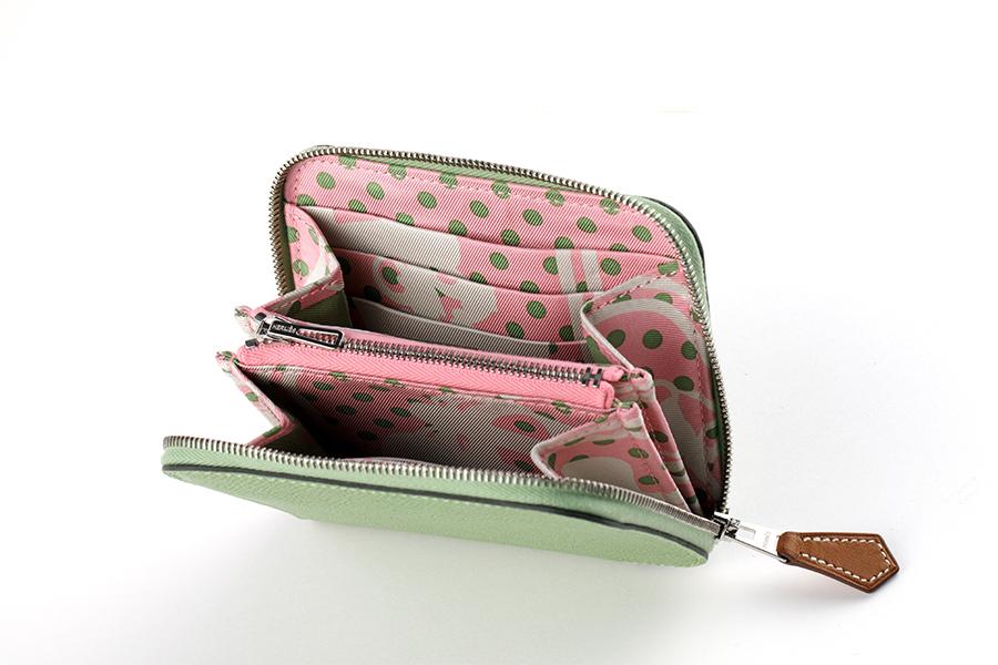 財布〈H11.5×9.5cm〉¥95,000/エルメスジャポン(エルメス)
