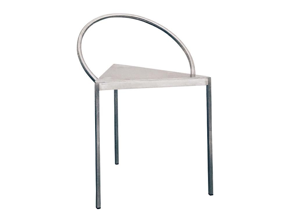 02 Per Holland Bastrup の『Triangolo Chair』