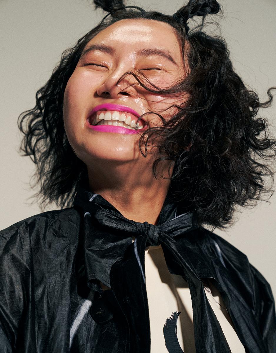 YUNA/歯を引き立てるためのネオンリップ