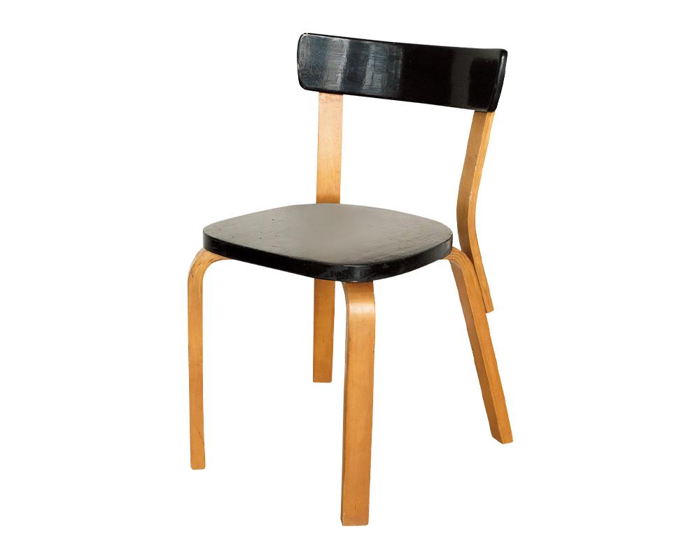 05 Alvar Aalto の『Chair No.69』