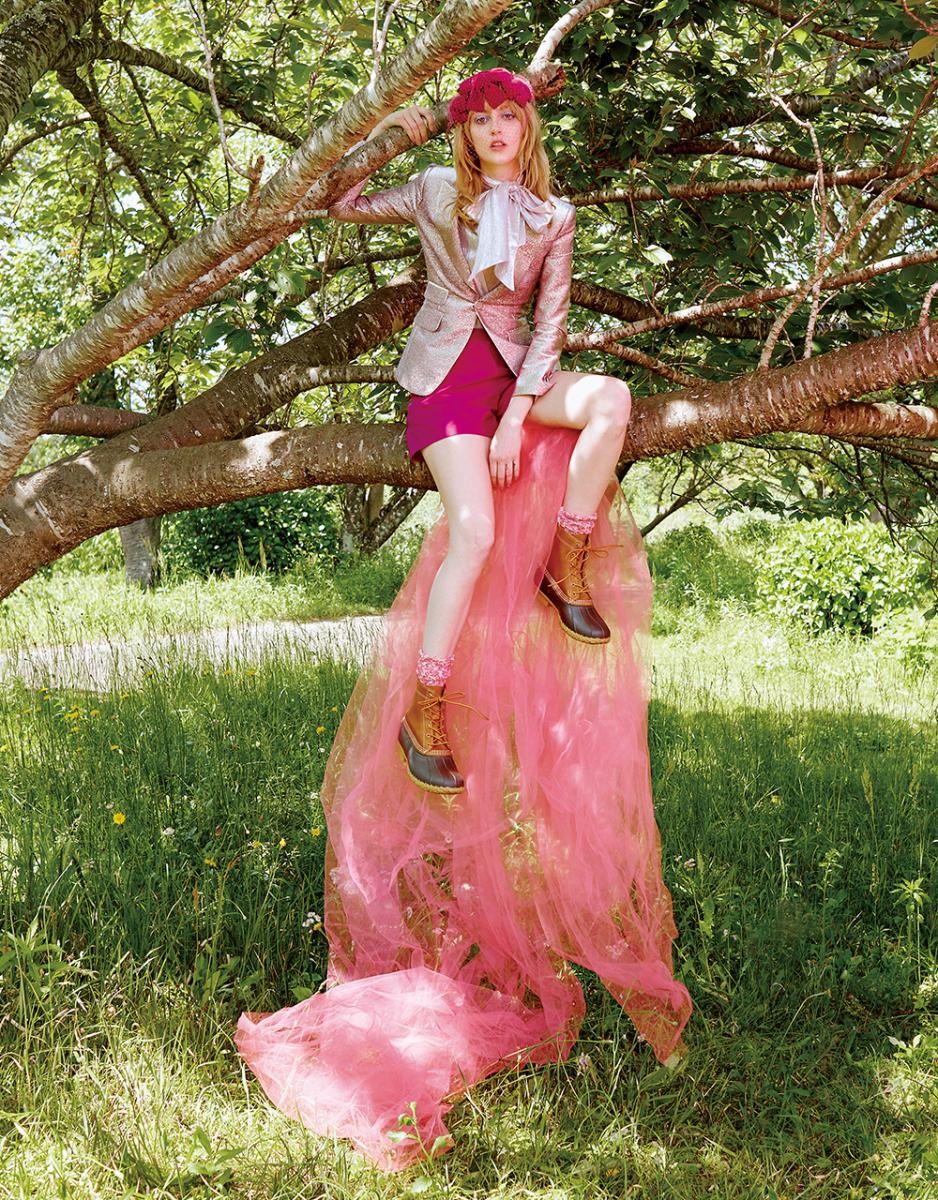 輝くピンクを目印に あの樹の上で待ち合わせ