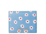 ミュウミュウのミディ財布