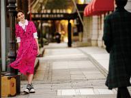 ピンク×落書き風プリントがキャッチーなバーバリーのドレス