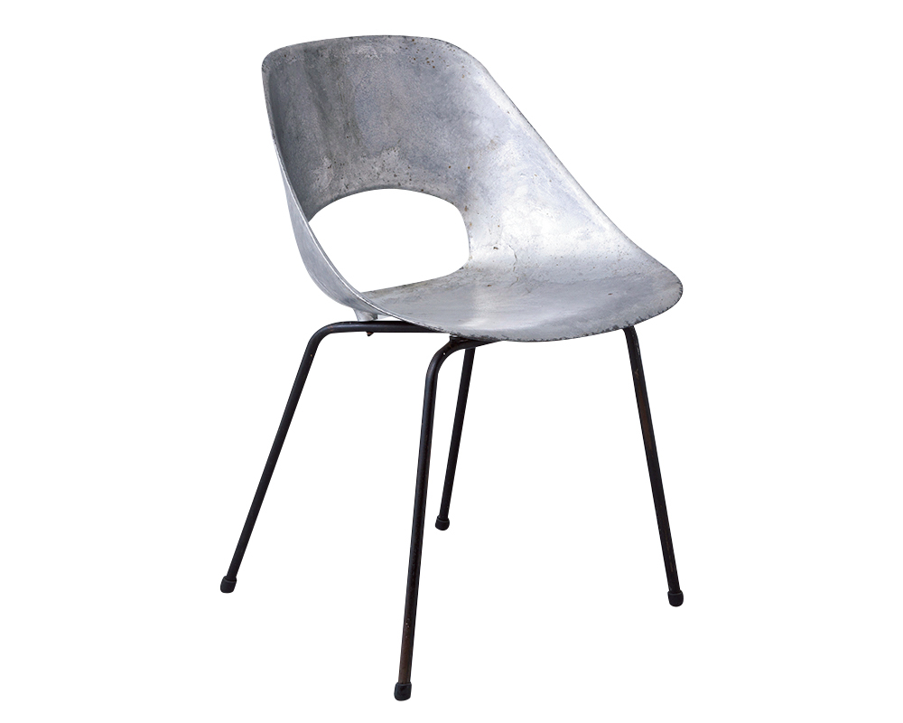 08 Pierre Guariche の『Tulip Chair』