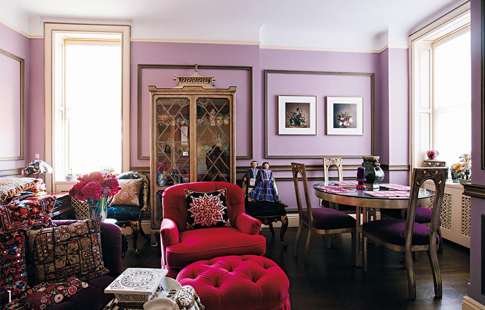 ピンクと紫のゴージャスな色調に包まれて