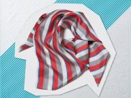 絶妙な色合わせのアンダーカバーのスカーフ