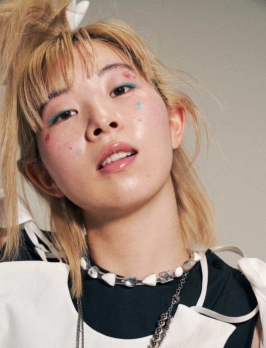 YUUKI/顔というキャンバスを星空に