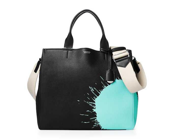 バッグ〈W34×H29.2×D14.5cm〉 ¥235,000/ティファニー・アンド・カンパニー・ジャパン・インク(ティファニー)