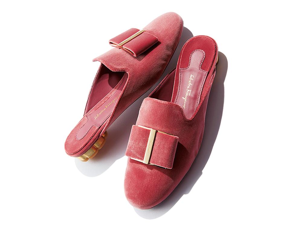 靴〈ヒール1cm〉¥74,000/フェラガモ・ジャパン(サルヴァトーレ フェラガモ)