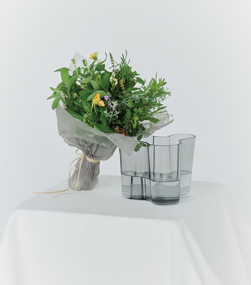 アロマブーケと花器のセットで五感を心地よく刺激する
