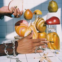 指先に旬の息吹とパッションを「果実とネイルと宝石と」