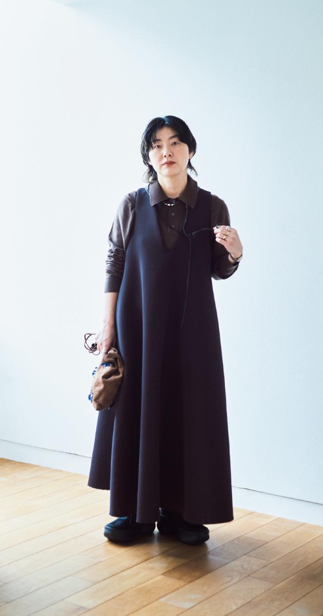day 2 / リースの日の服はプレーンな黒のドレスを選ぶ