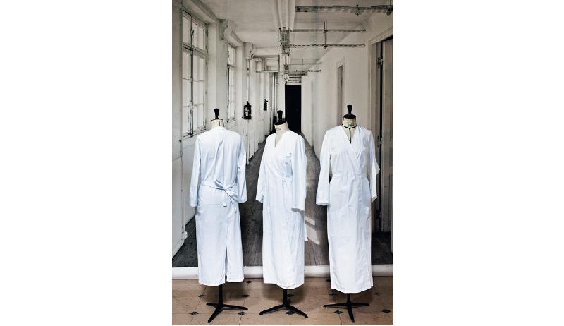 スタッフが白衣を着る意味