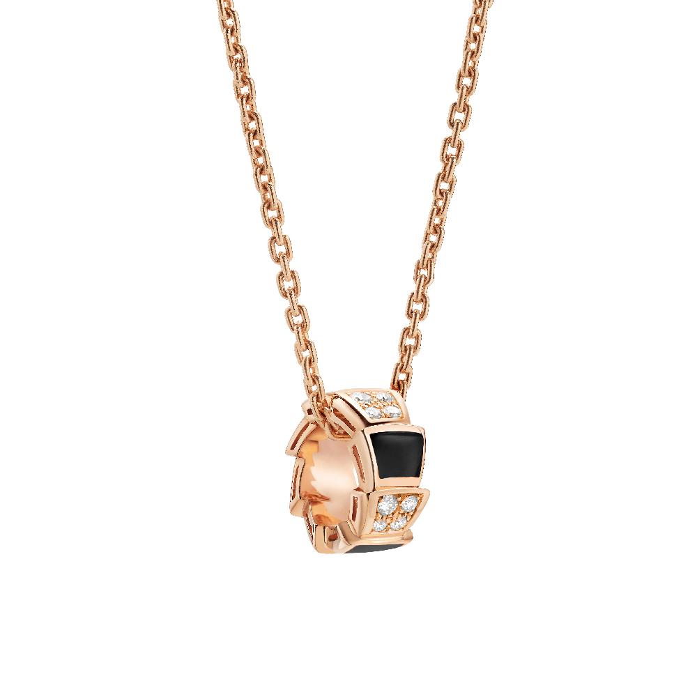 """""""セルペンティ ヴァイパー""""ネックレス〈ピンクゴールド、ダイヤモンド、オニキス〉¥460,000"""
